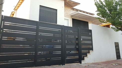 דגם המשתלב עם מדרגות הבית