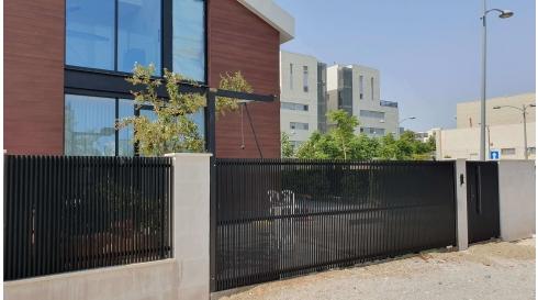 עיצוב גדרות ושערים חשמליים עידן השערים