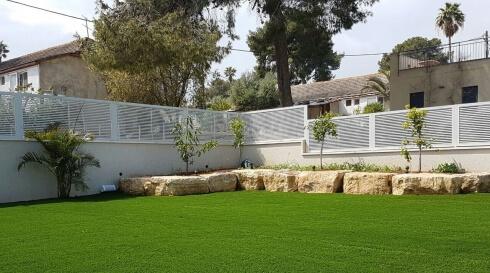 עיצוב מיוחד בפתח הגינה