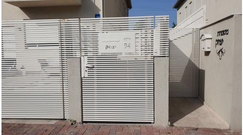 שער לכניסת הבית משולב דגם הייטק