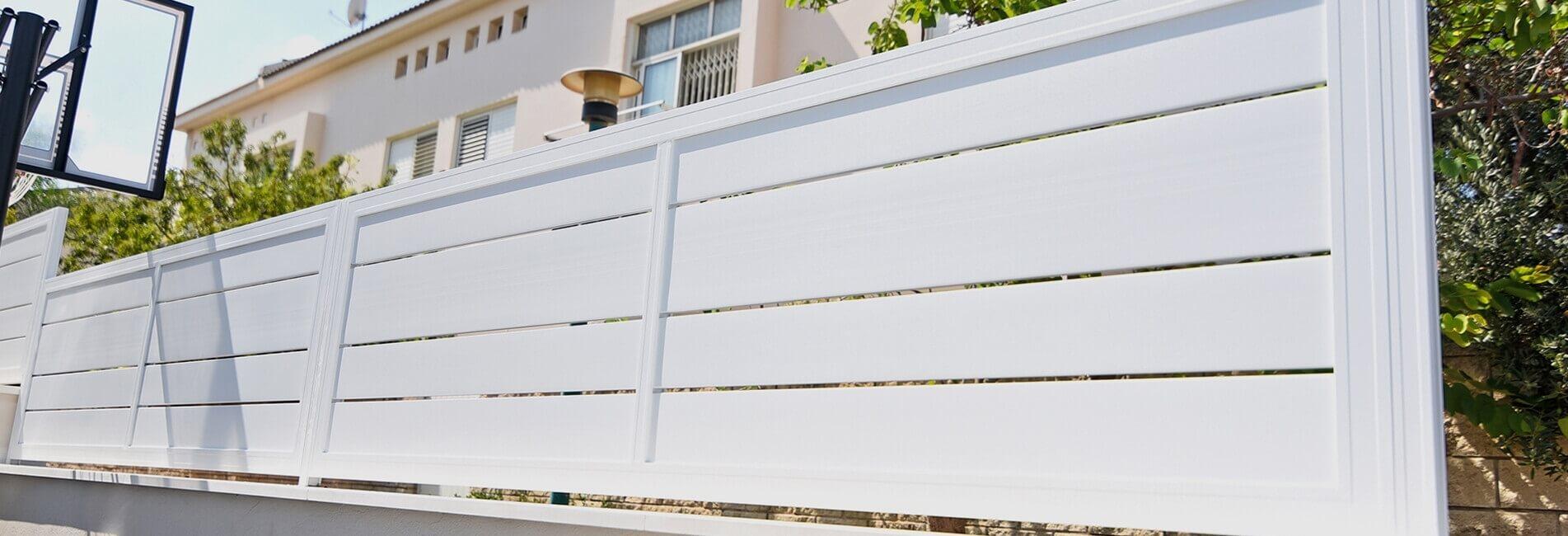 גדר מעוצבת מבית עידן השערים